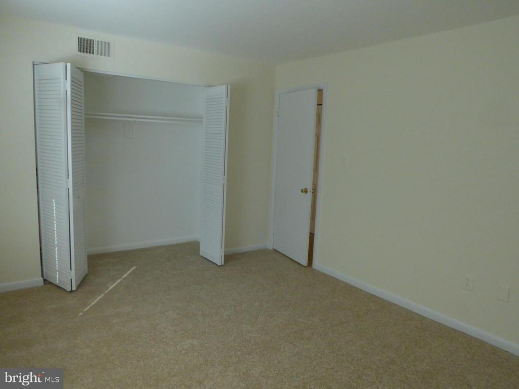 MASTER BEDROOM - 1543 COLONIAL DR #T-1, WOODBRIDGE