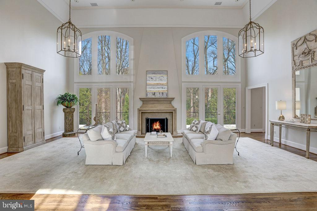 Impressive Living Room Opens to Wrap-Around Patio - 6470 KEDLESTON CT, MCLEAN