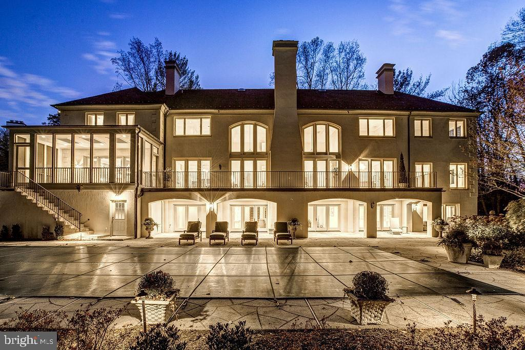 Evening View of the Rear Facade - 6470 KEDLESTON CT, MCLEAN