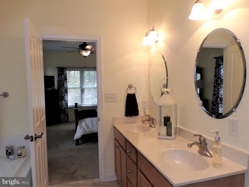 Master Bathroom with double sinks - 239 WASHINGTON ST, LOCUST GROVE