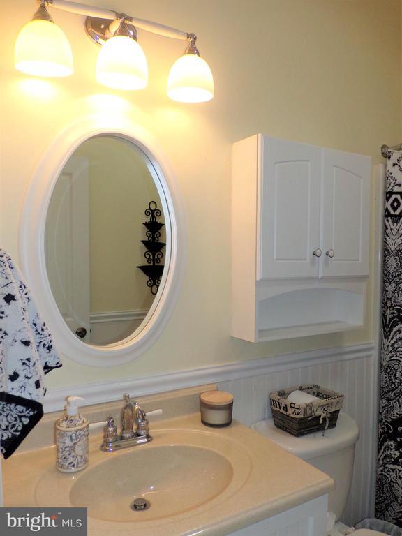 Main level hallway bathroom - 239 WASHINGTON ST, LOCUST GROVE