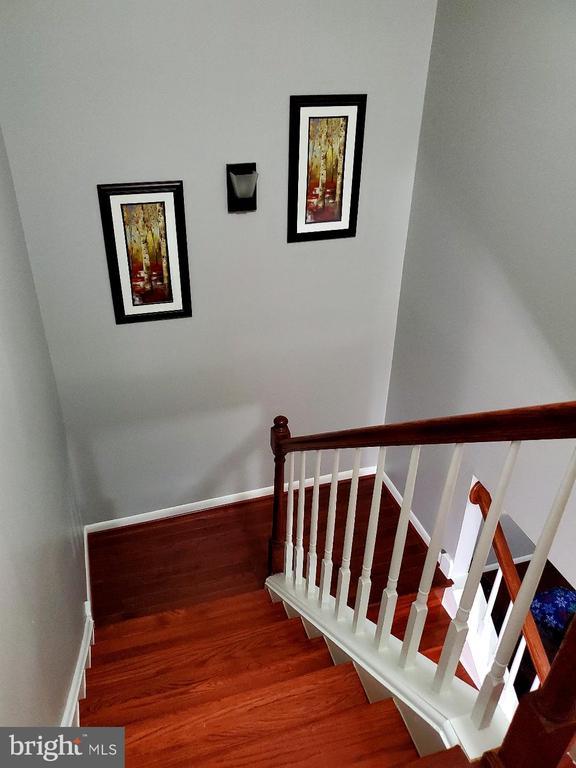 Stairway from Upper Level - 13006 QUANDER CT, WOODBRIDGE