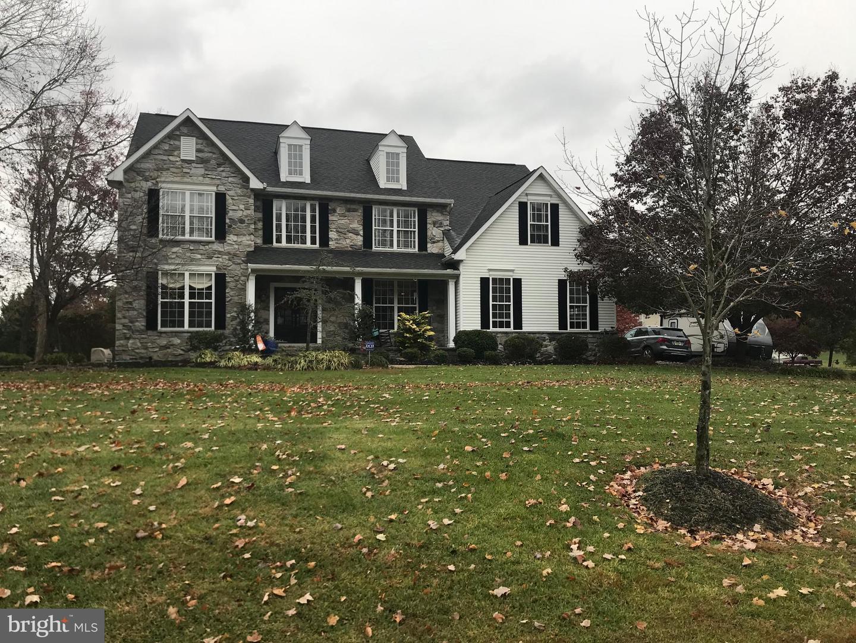Single Family Homes pour l Vente à Swedesboro, New Jersey 08085 États-Unis
