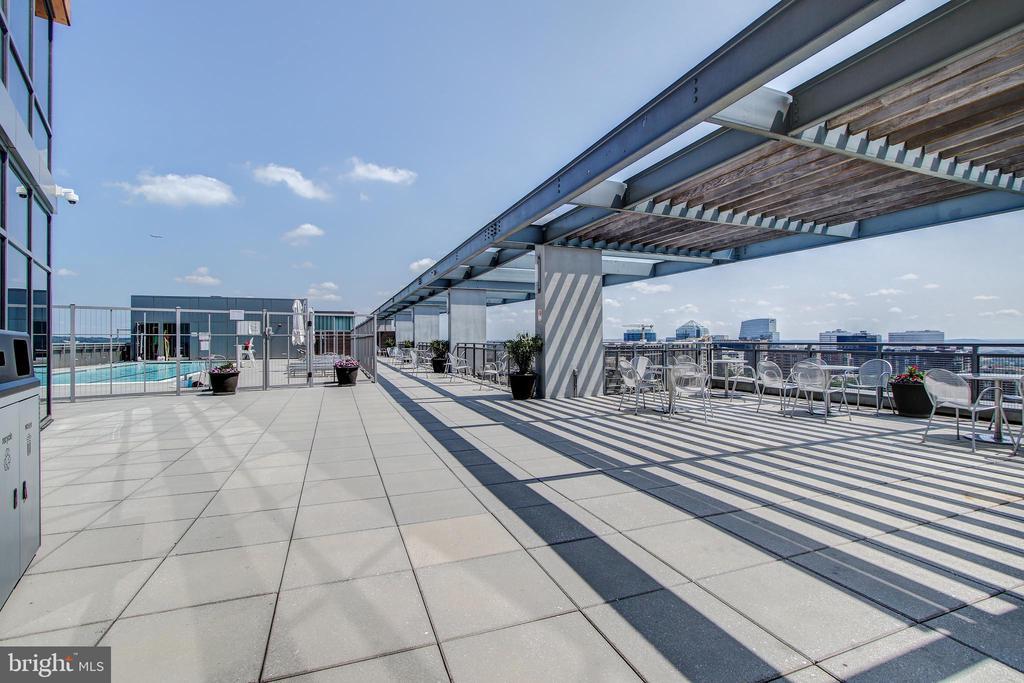Roof Deck - 2001 15TH ST N #109, ARLINGTON