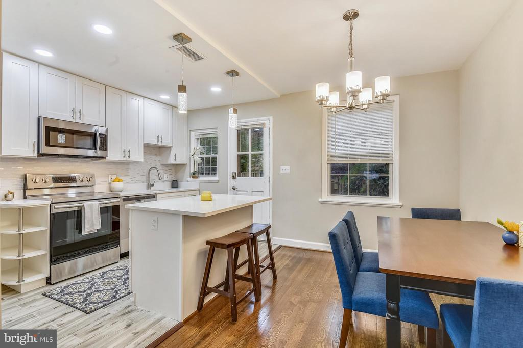 Stunning open kitchen - 3022 S ABINGDON ST, ARLINGTON