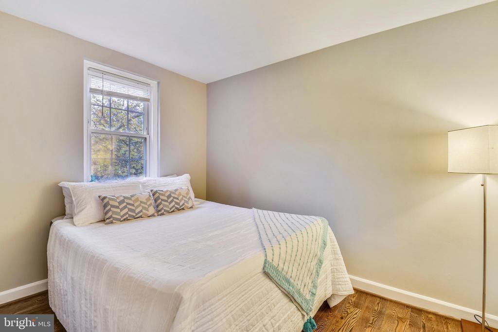 2nd bedroom w/ a closet - 3022 S ABINGDON ST, ARLINGTON