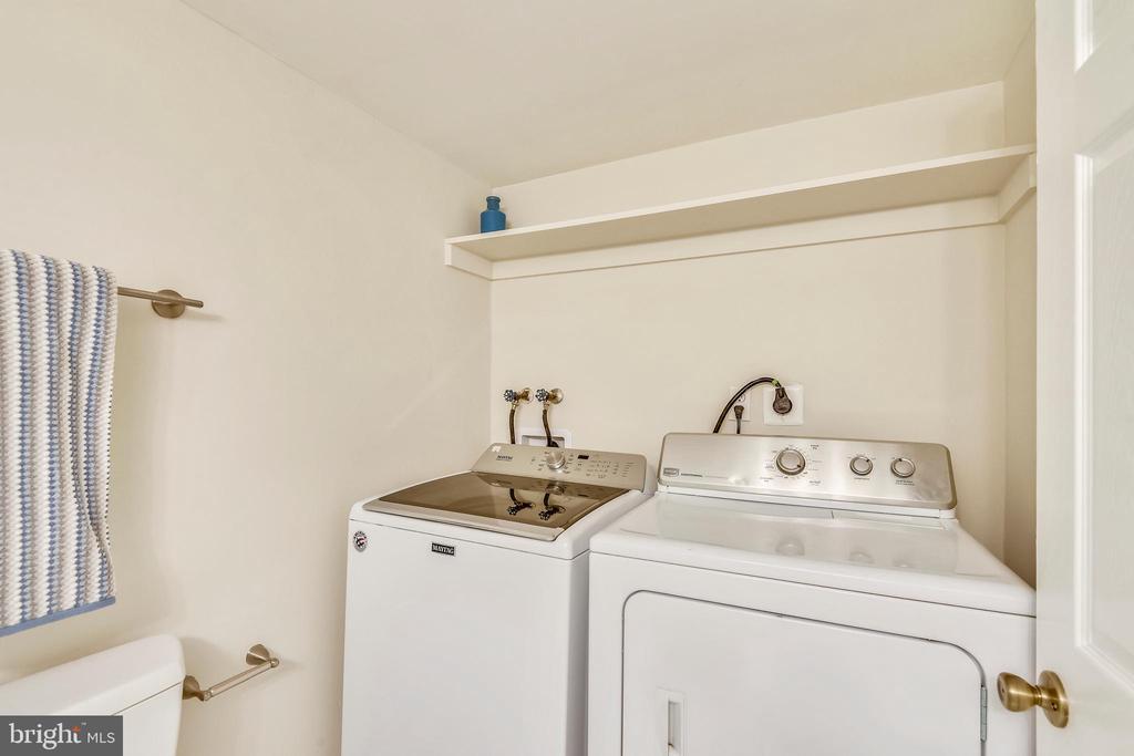 Laundry nook - 3022 S ABINGDON ST, ARLINGTON