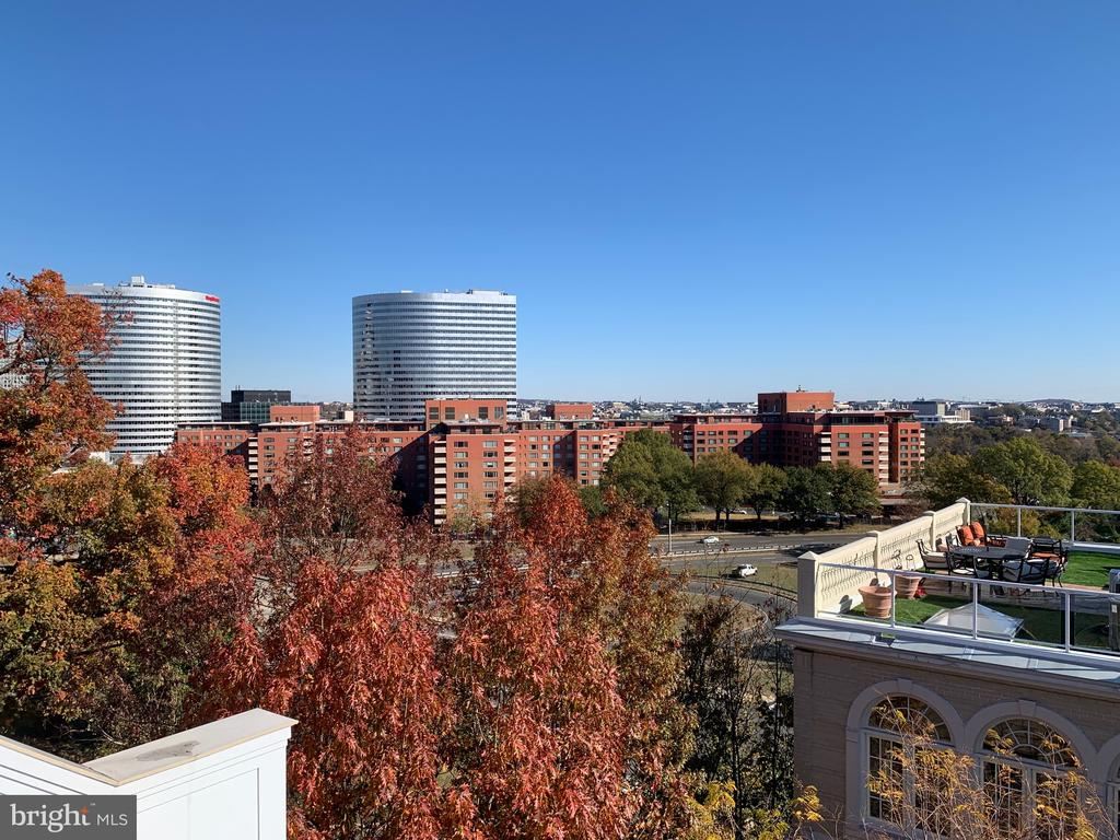 VIEW OF ROSSLYN  HEIGHTS FROM UPPER DECK - 1335 14TH ST N, ARLINGTON