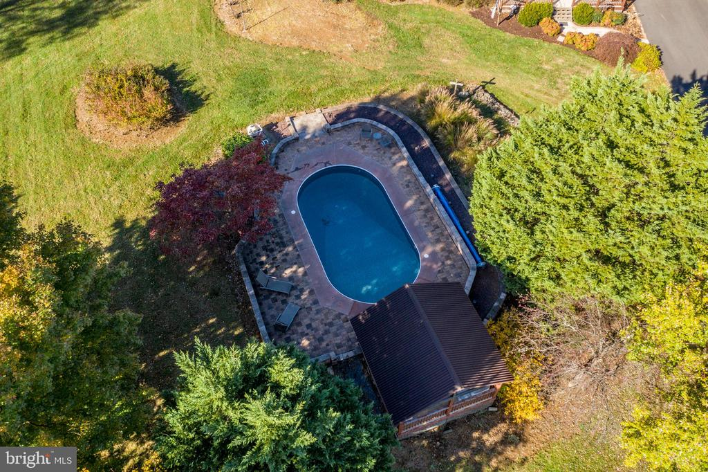In-ground pool - 34877 HARRY BYRD HWY, ROUND HILL
