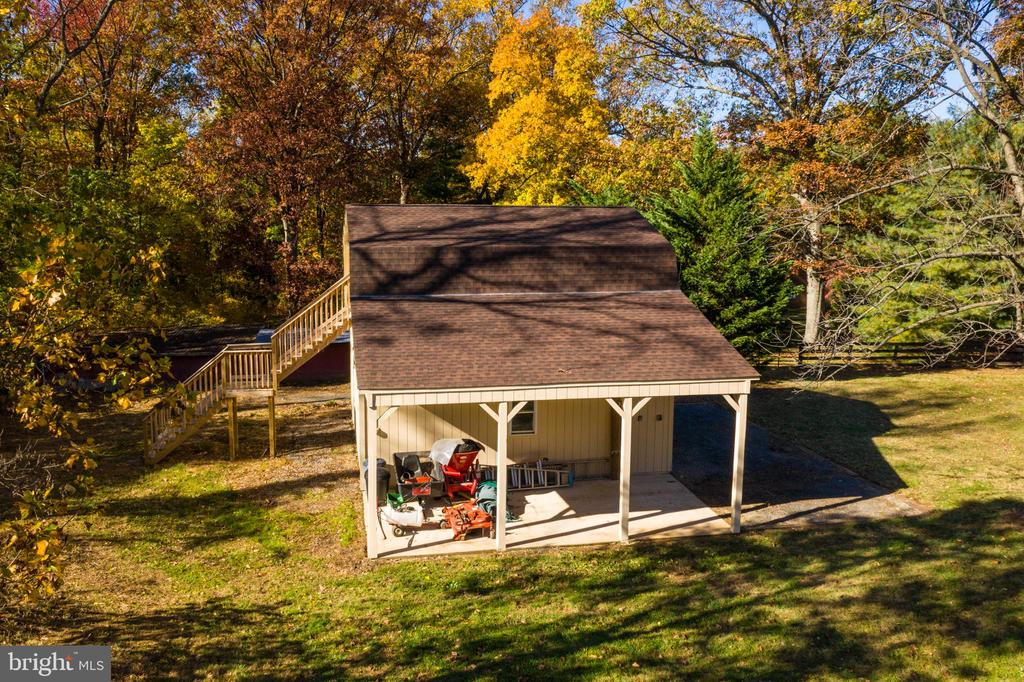 Storage Barn - 34877 HARRY BYRD HWY, ROUND HILL