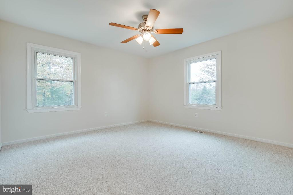 4th bedroom - 34877 HARRY BYRD HWY, ROUND HILL