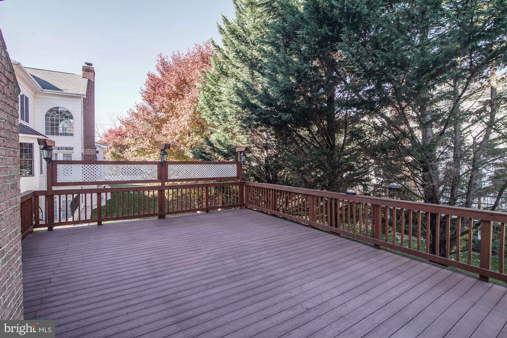 Rear Deck - 7310 BEVERLY MANOR DR, ANNANDALE
