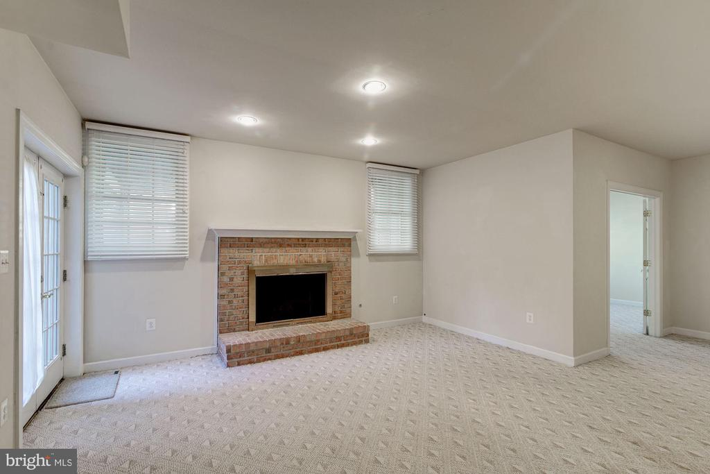 Fireplace and French Door Walk-up Exit - 7310 BEVERLY MANOR DR, ANNANDALE