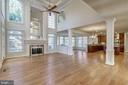 2-Story Family Room - 7310 BEVERLY MANOR DR, ANNANDALE