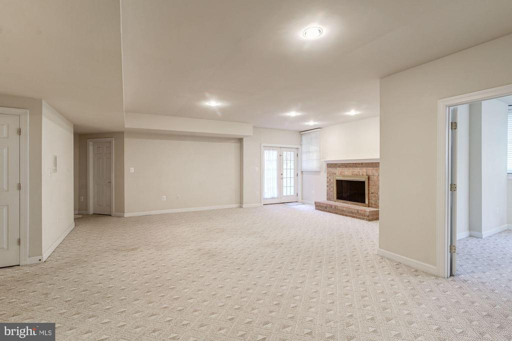Recreation Room - 7310 BEVERLY MANOR DR, ANNANDALE