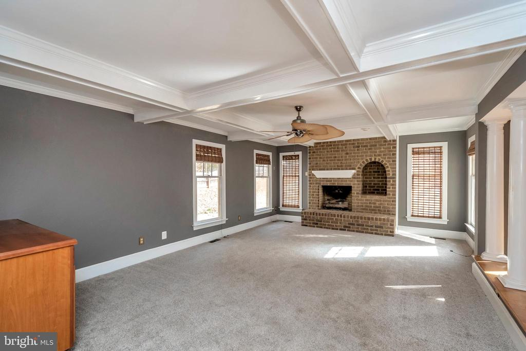 Family room with gas fireplace - 11801 DUCK CIR, SPOTSYLVANIA