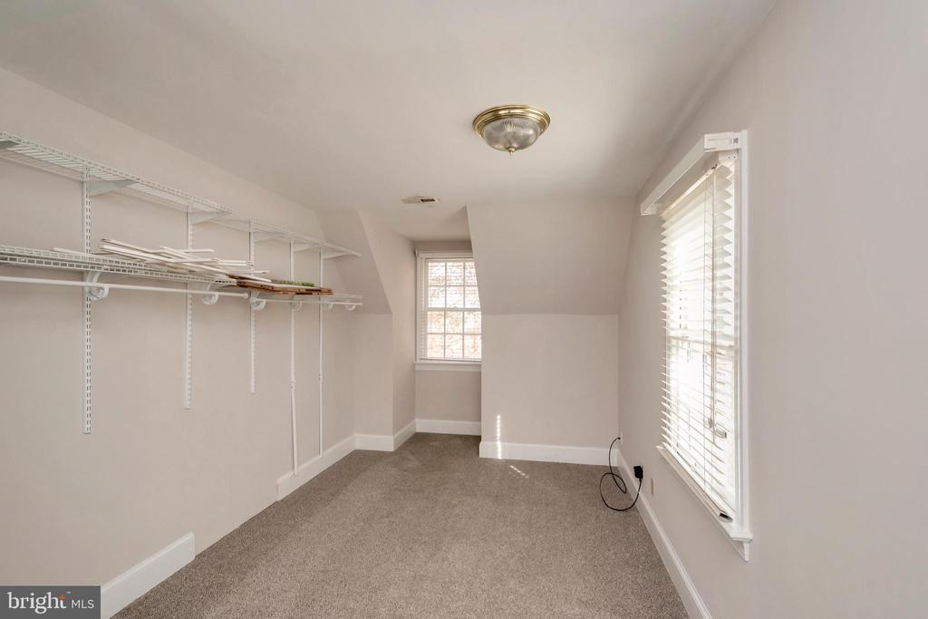 Master bedroom walk in closet - 11801 DUCK CIR, SPOTSYLVANIA