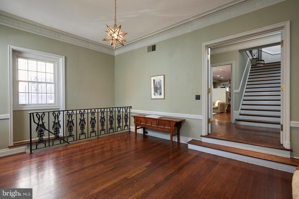 Foyer - beautiful wide stairs lead to entertaining - 1719 19TH ST NW, WASHINGTON