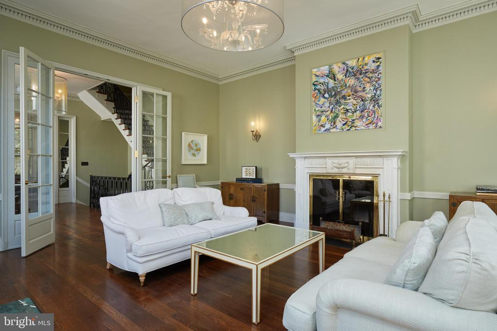 Formal living room -  High ceilings, crown molding - 1719 19TH ST NW, WASHINGTON