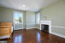 Top level bedroom w/ fireplace walk-in closet - 1719 19TH ST NW, WASHINGTON