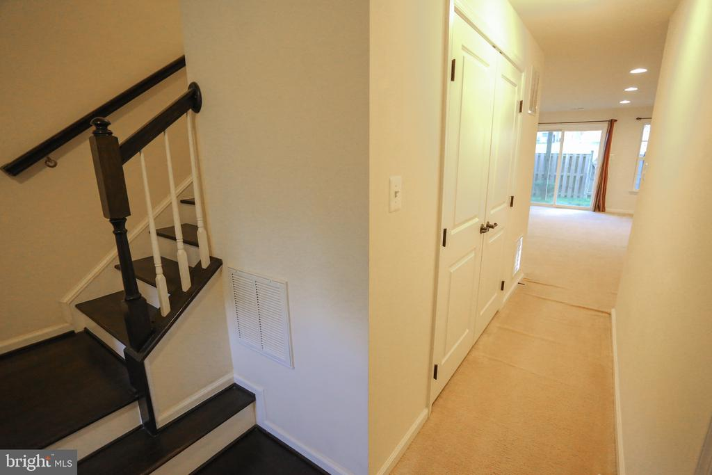 Hallway to aboveground lower level - 22862 LACEY OAK TER, STERLING