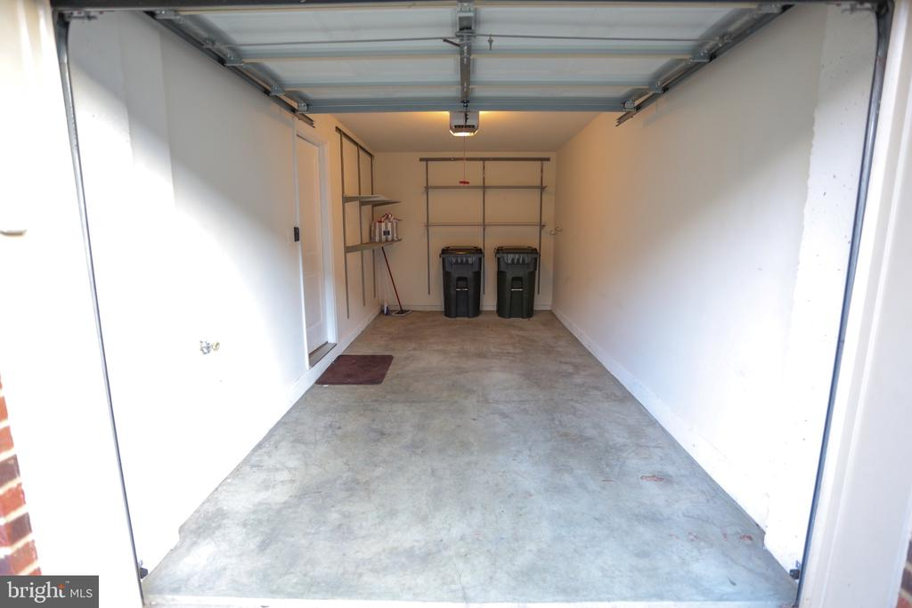 Park Your Car in your front Facing garage - 22862 LACEY OAK TER, STERLING