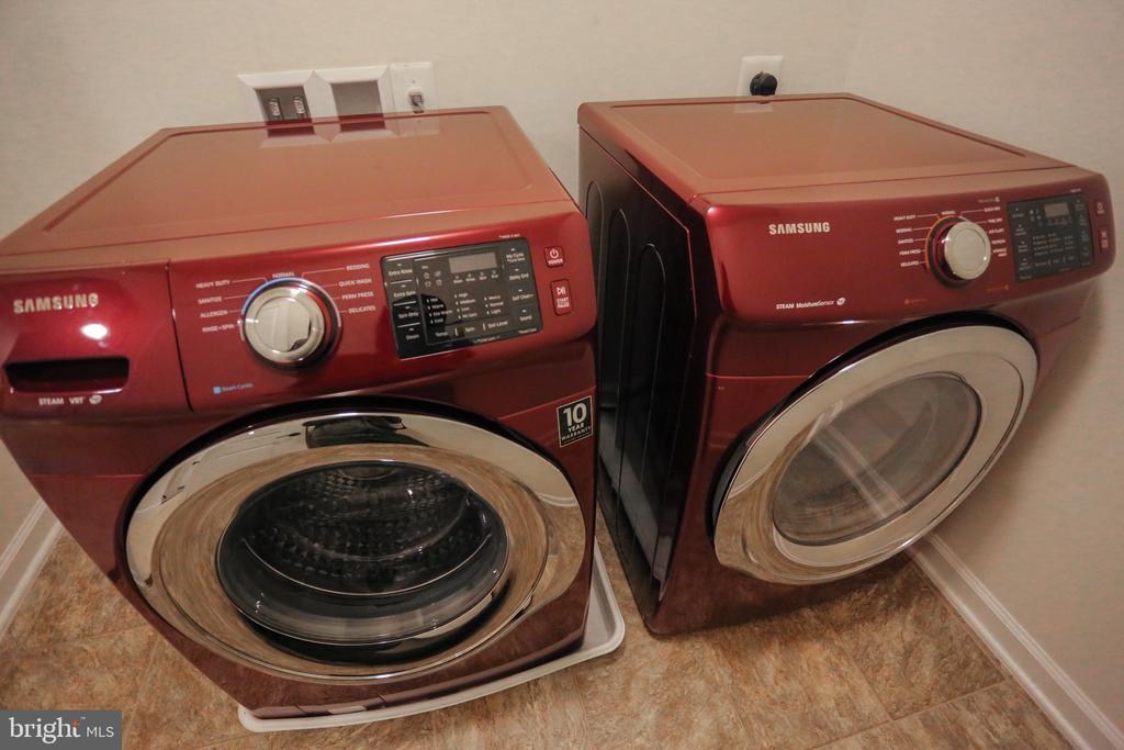 Front Loading Washer/Dryer - 22862 LACEY OAK TER, STERLING