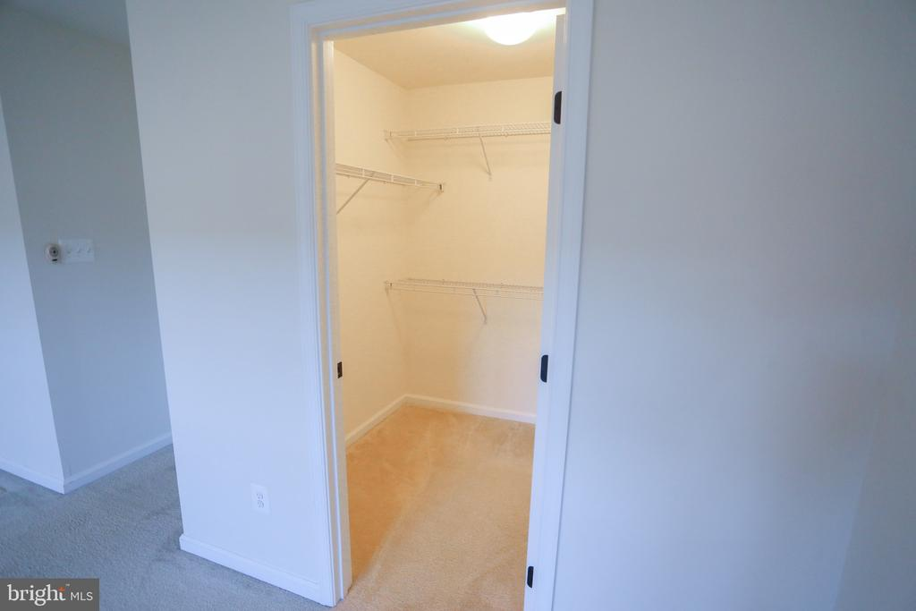 Master  Walk In Closet - 22862 LACEY OAK TER, STERLING