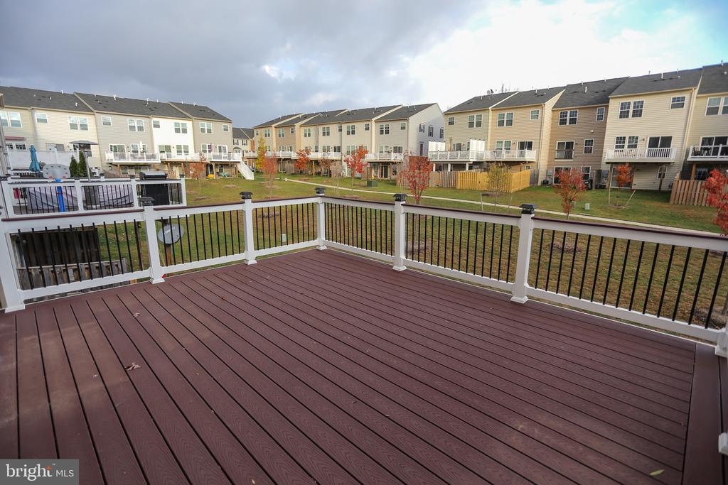 Upgraded Deck Built After home was bought! - 22862 LACEY OAK TER, STERLING