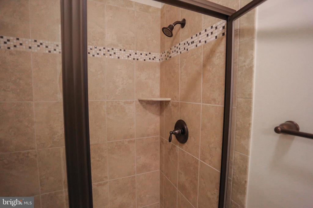 Master Bath With Stand in Shower - 22862 LACEY OAK TER, STERLING