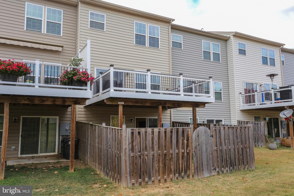 Fenced Backyard - 22862 LACEY OAK TER, STERLING