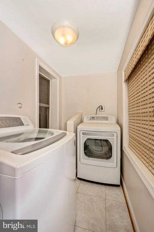 Laundry Area within Mudroom - 6500 MOUNTAIN CHURCH RD, JEFFERSON
