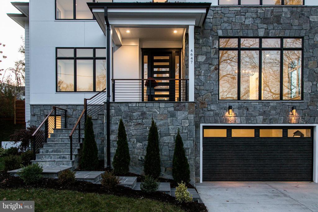 Beautiful Stone & Hardie Cement Board Exterior - 4647 38TH PL N, ARLINGTON