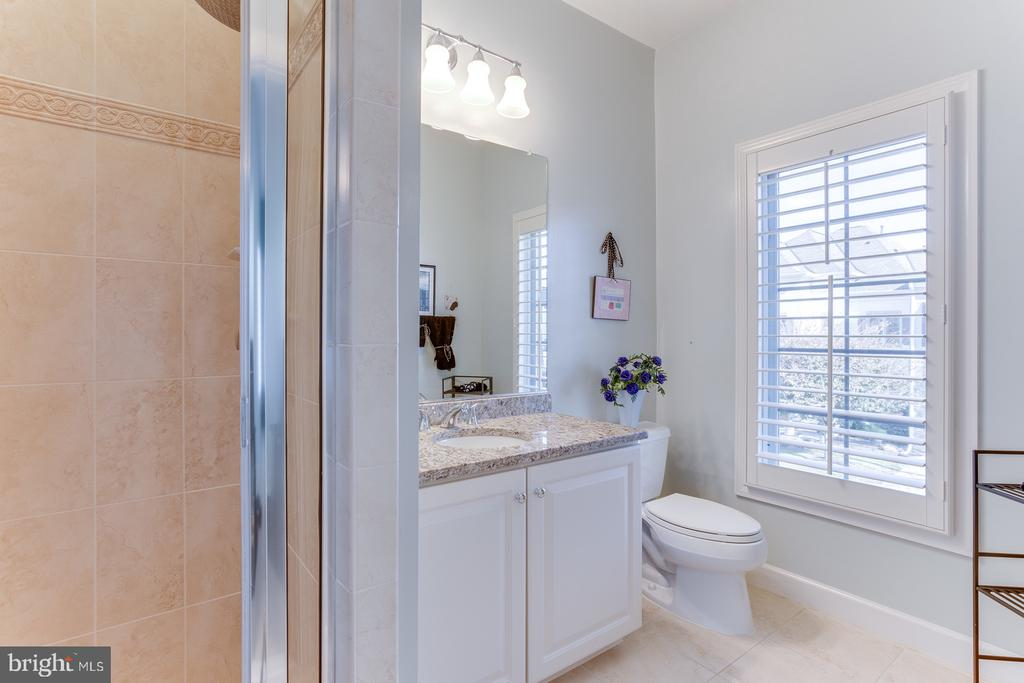 Bathroom # 3 - 18375 FAIRWAY OAKS SQ, LEESBURG