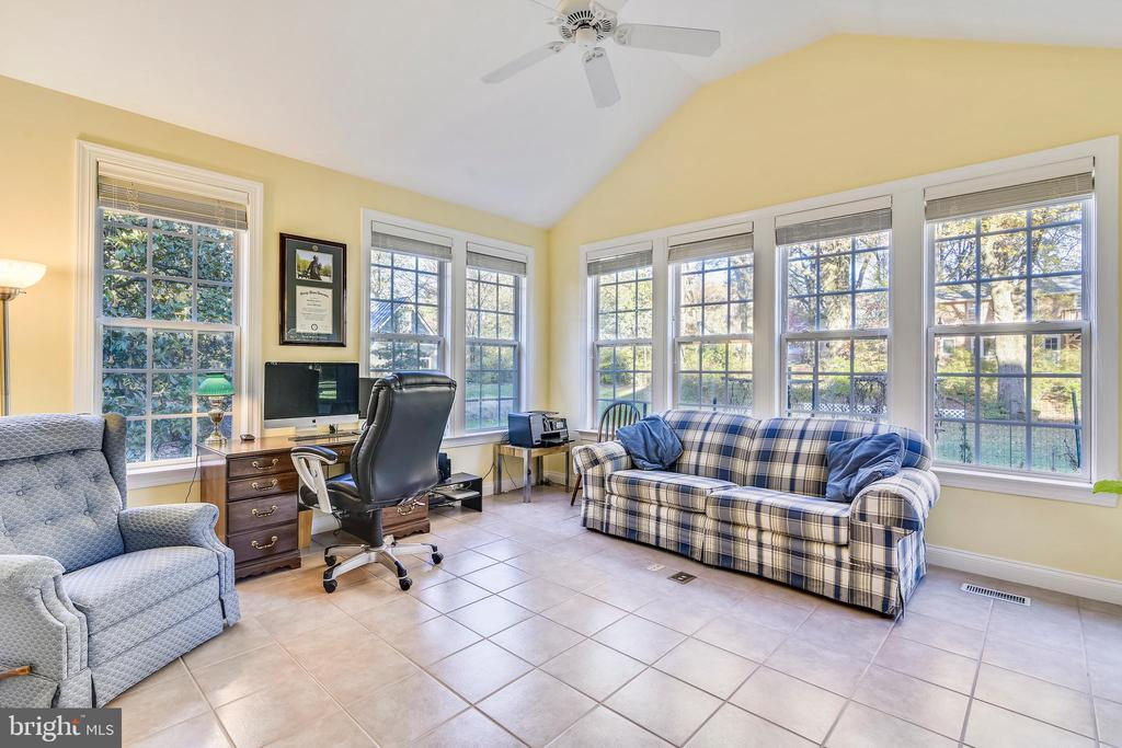 Sunroom off the Master is enjoyed as an office:) - 916 MONROE ST, HERNDON