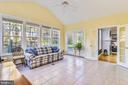 High ceilings, a lot of windows - SEE VIRTUAL TOUR - 916 MONROE ST, HERNDON