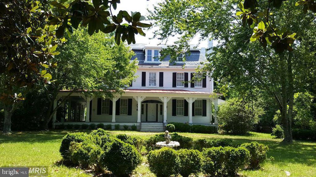 Single Family Homes para Venda às Aquasco, Maryland 20608 Estados Unidos