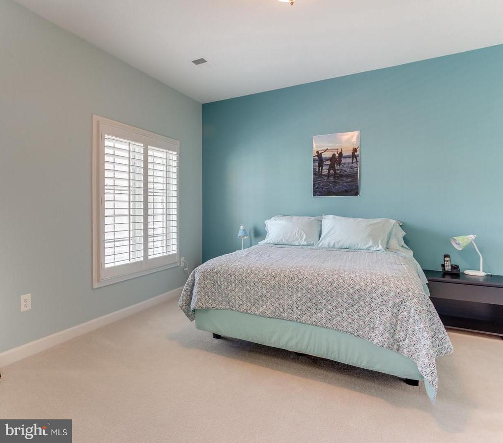 Bedroom # 3 - 18375 FAIRWAY OAKS SQ, LEESBURG