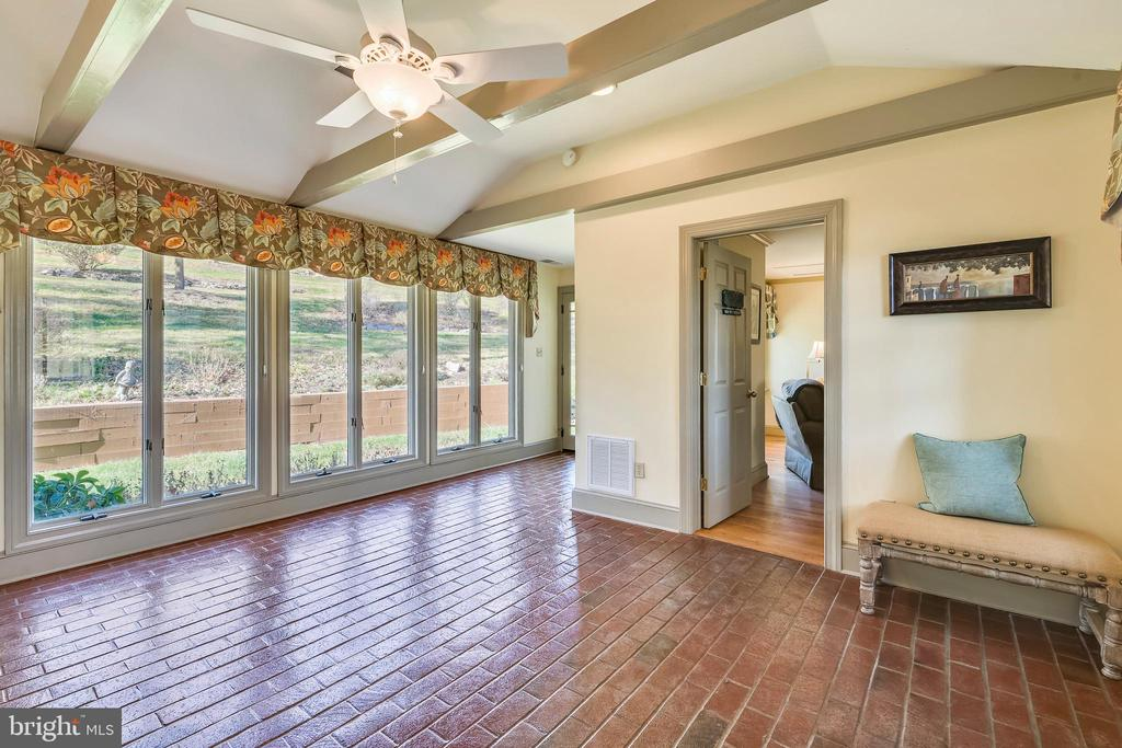 Floor to ceiling windows w/ vistas of the gardens - 669 APPLE PIE RIDGE RD, WINCHESTER