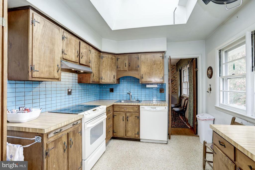 Kitchen - 4018 N STAFFORD ST, ARLINGTON