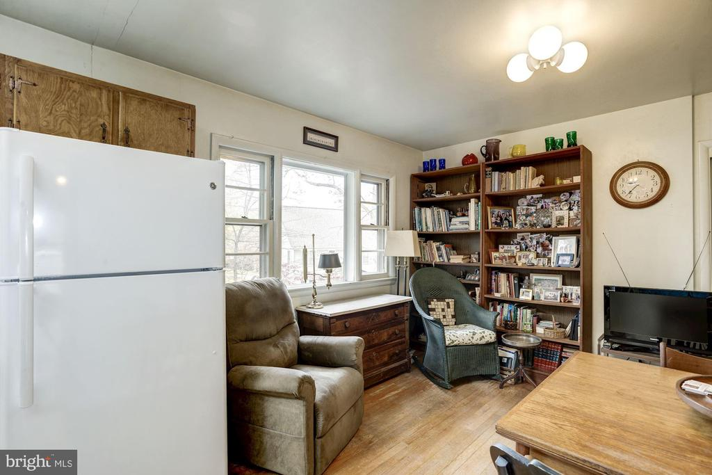 Kitchen / Family Room - 4018 N STAFFORD ST, ARLINGTON