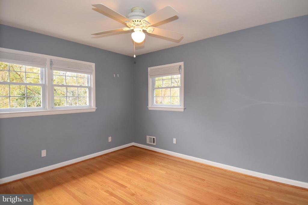 Third bedroom is in the front of the house. - 535 N LONGFELLOW ST, ARLINGTON