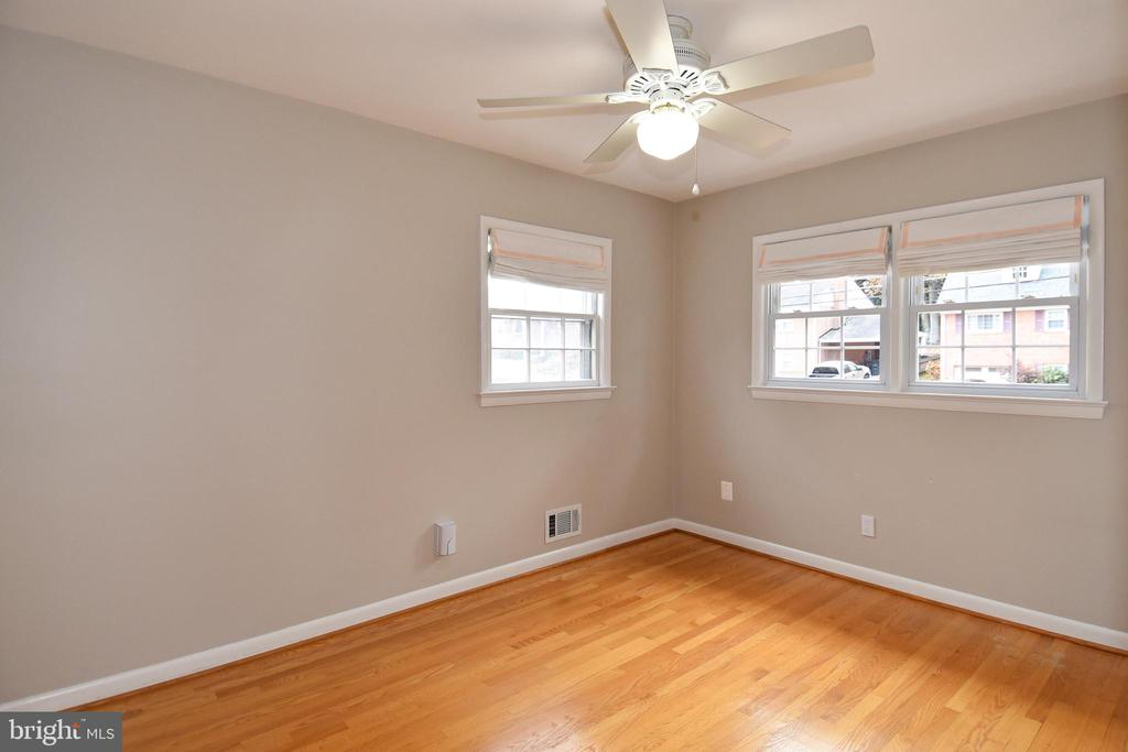 Fourth bedroom is in the front of the house. - 535 N LONGFELLOW ST, ARLINGTON