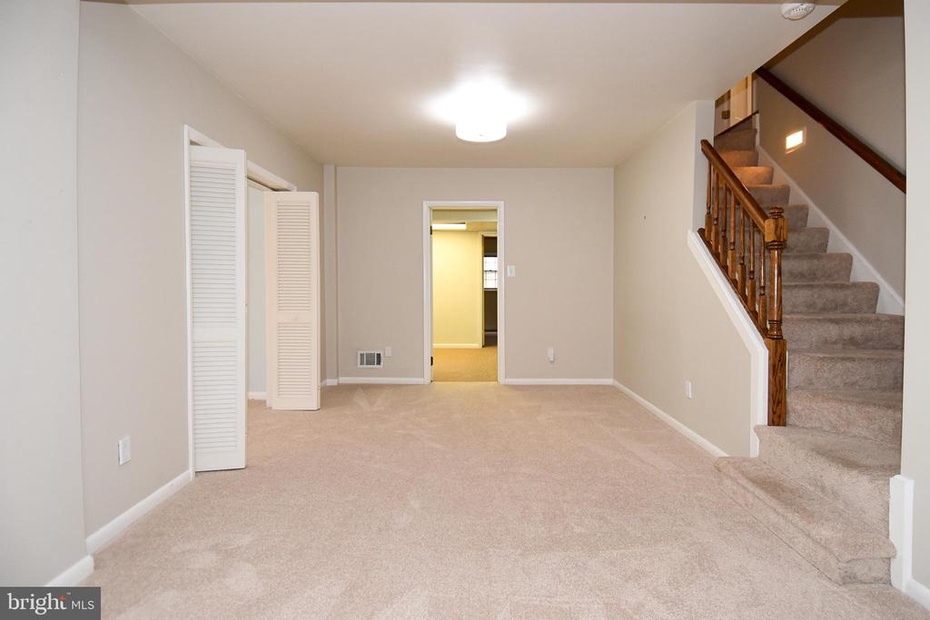 Large space looks through to extra rooms. - 535 N LONGFELLOW ST, ARLINGTON