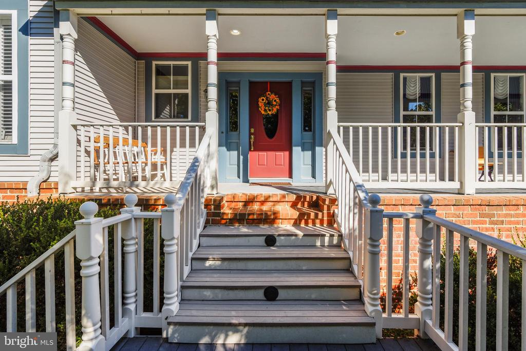 You're in for a treat:)  SEE THE VIRTUAL TOUR:) - 916 MONROE ST, HERNDON