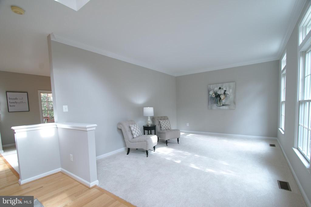 Living Room - 12424 SILENT WOLF DR, MANASSAS