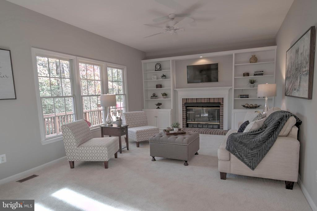 Family Room with Gas Fireplace and built-ins - 12424 SILENT WOLF DR, MANASSAS