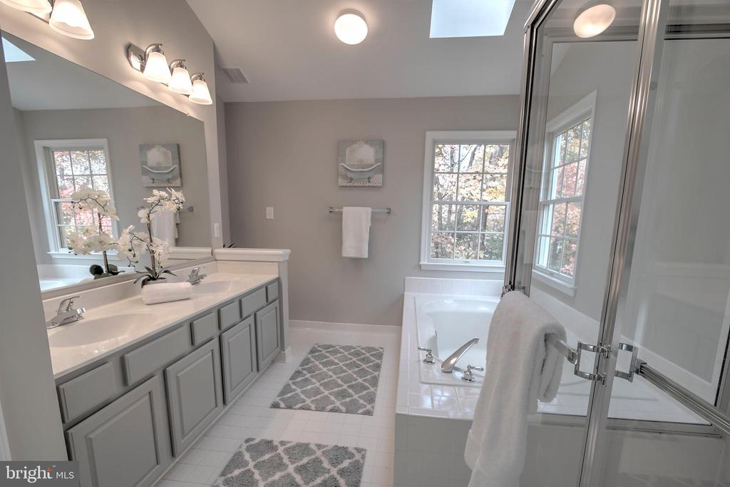 Sunny Master Bath With Two Sinks - 12424 SILENT WOLF DR, MANASSAS