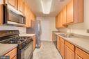 Plenty of counter space - 7750 MILFORD HAVEN DR #50D, LORTON