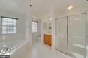 Separate Shower & Soaking Tub - 7750 MILFORD HAVEN DR #50D, LORTON